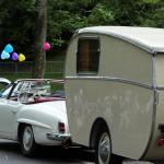 Mercedes Benz 190 SL (1961) mit Wohnwagen